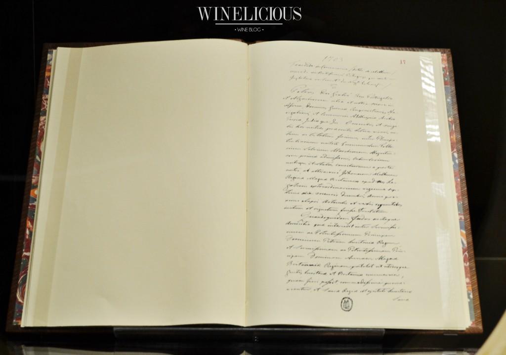 Cópia do Tratado de Comércio, dito de Methuen, em três artigos, celebrado entre D. Pedro II e a Rainha  Ana de Inglaterra, datado de Lisboa, 27 de Dezembro de 1703 e ratificado por Portugal em 2 de Maio de 1704.
