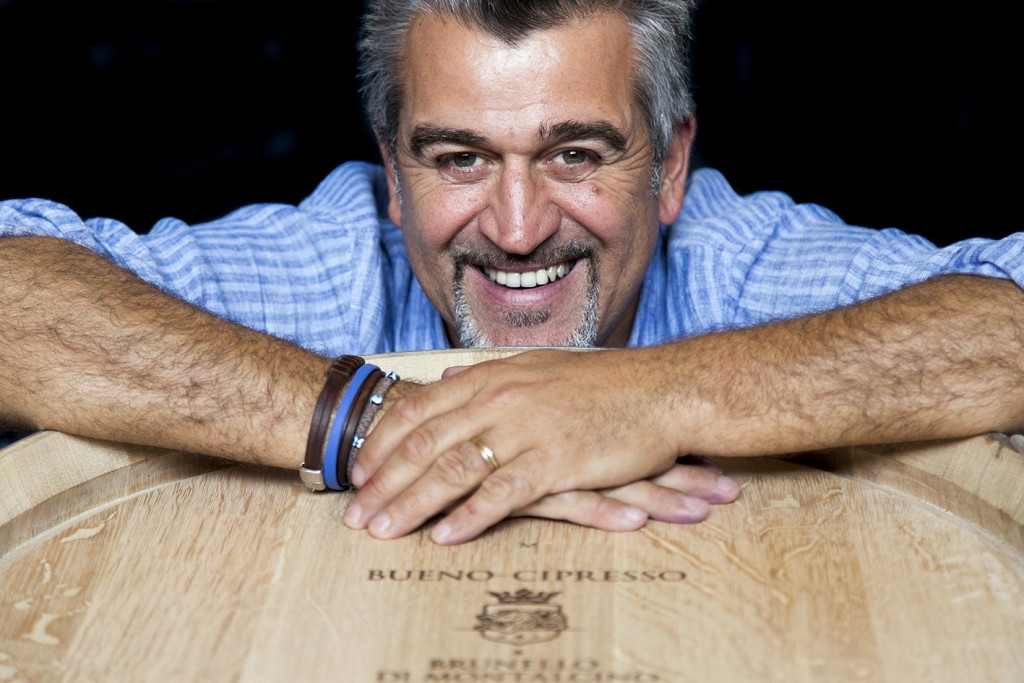 """Roberto Cipresso já foi eleito o """"Melhor Enólogo Italiano"""" durante o """"Wine Oscar 2006"""", e o """"Homem do Ano""""pela revista Men´s Health, em 2008. Seu Brunello di Montalcino Riserva 2006 La Fiorita foi listado como um dos melhores vinhos italianos no """"Best Italian Wines Awards 2012"""" e recebeu a medalha de ouro no """"Merano Wine Festival 2012"""". Entre suas principais criações, podemos destacar  o Cuvée feito especialmente para o Papa João Paulo II, em 2000, e o tinto desenvolvido para os 150 anos da Unificação Italiana, em 2010."""